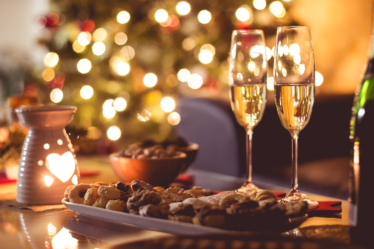 new-years-eve-champagne-party-happy-new-year-picjumbo-com.jpg